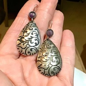 🌺Artisan Silver and Amethyst Earrings